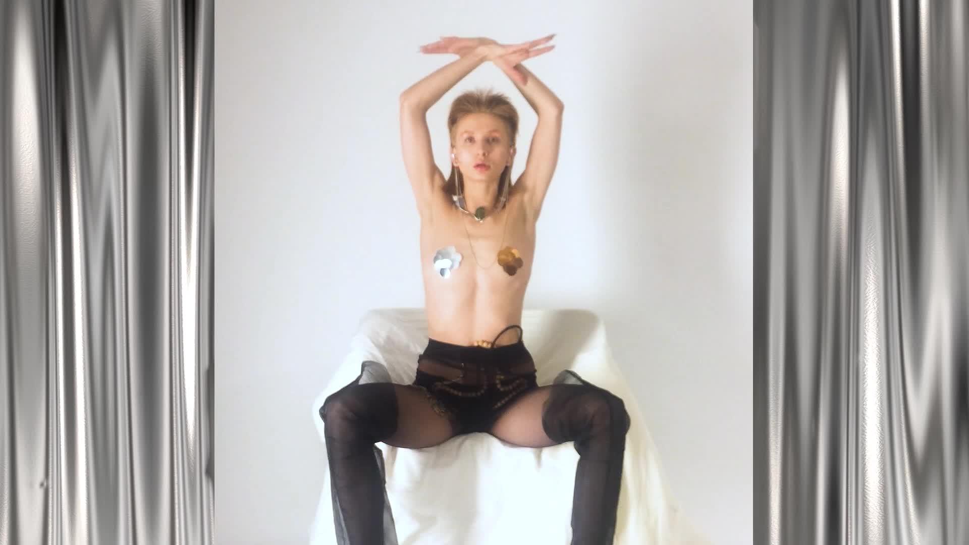 Lindsay lohan nude oops